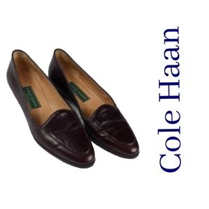 Cole Haan size 7AA reddish brown leather loafer